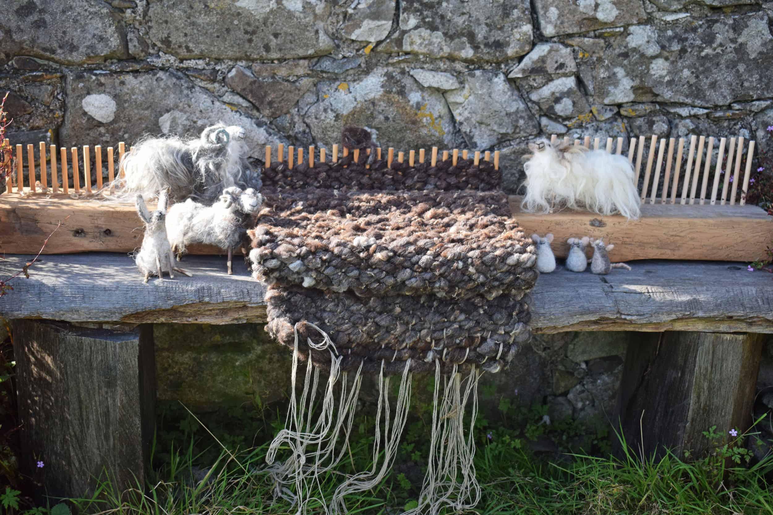 Puzzle pegloom weaving handmade loom needle felt sheep wool kind fiber