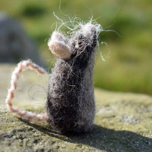 wool mouse gift