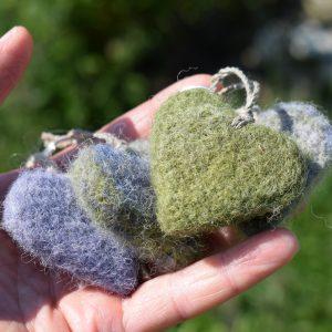 wool heart keyring heather