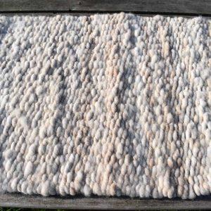 torddu wool rug