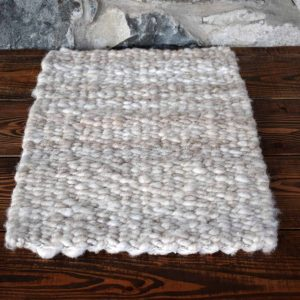 peg loom wool rug